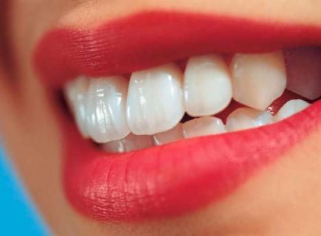 Восстановление зубов с помощью безметалловых протезов (несъемные единичные коронки, мосты, протезы на имплантах)
