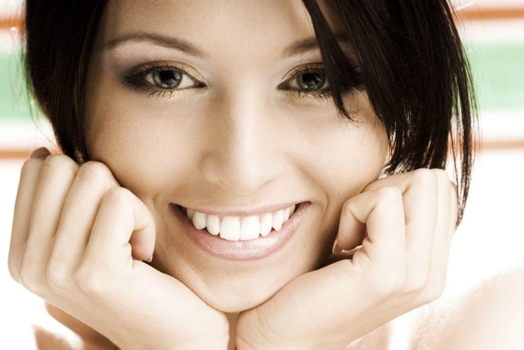 Установка циркониевых коронок в стоматологии «Гармония»
