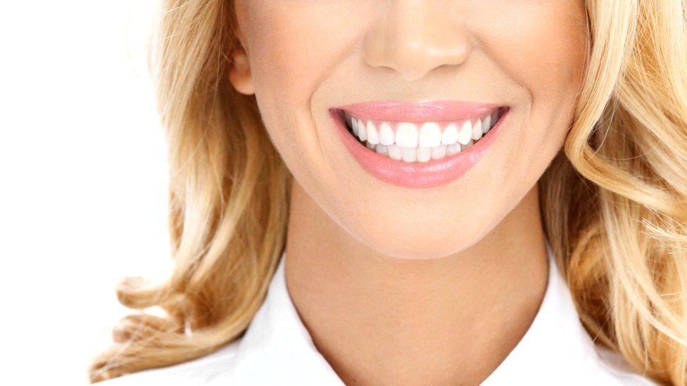 Перепротезирование зубов. Когда нужно заменить коронки? Часть 1