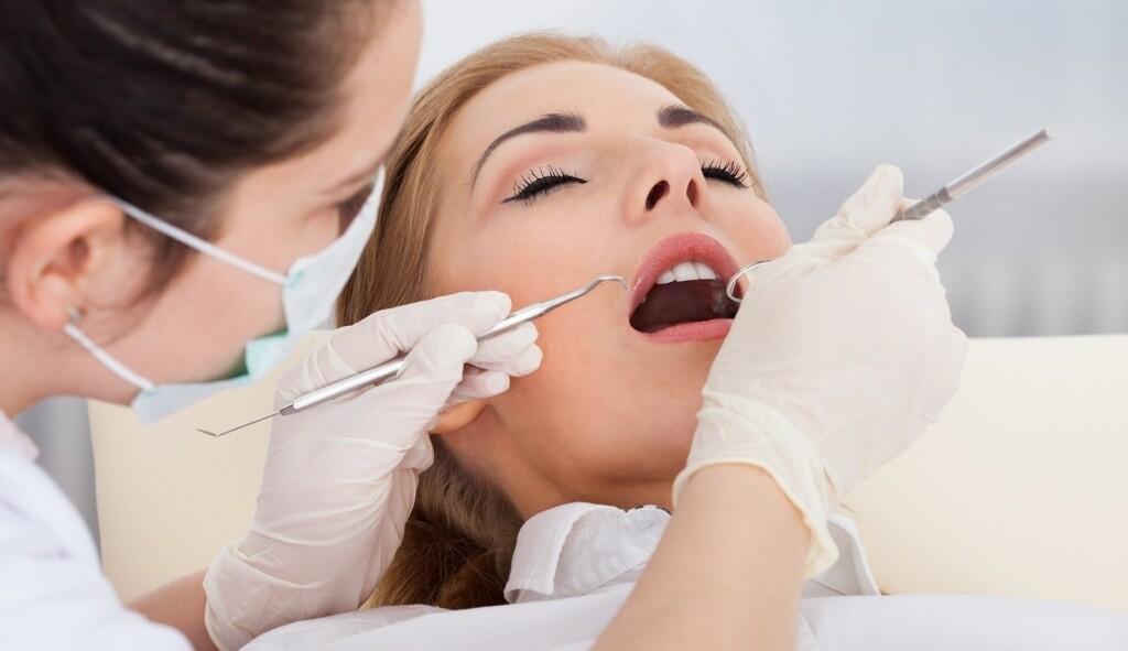 Что влияет на стоимость лечения зубов?