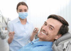 Почему выпадают зубы у взрослых?